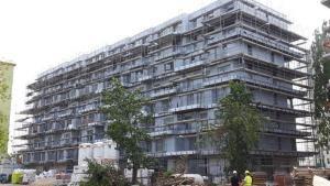 Bloki mieszkalne w trakcie budowy.