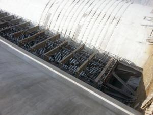 System rusztowań do mocowania pomiędzy dwoma ścianami